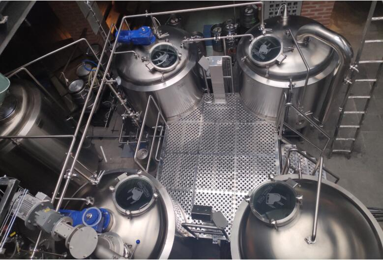 <b>Falling Piano Beer Brewery - 10 BBL Beer Equipment in Mexico</b>