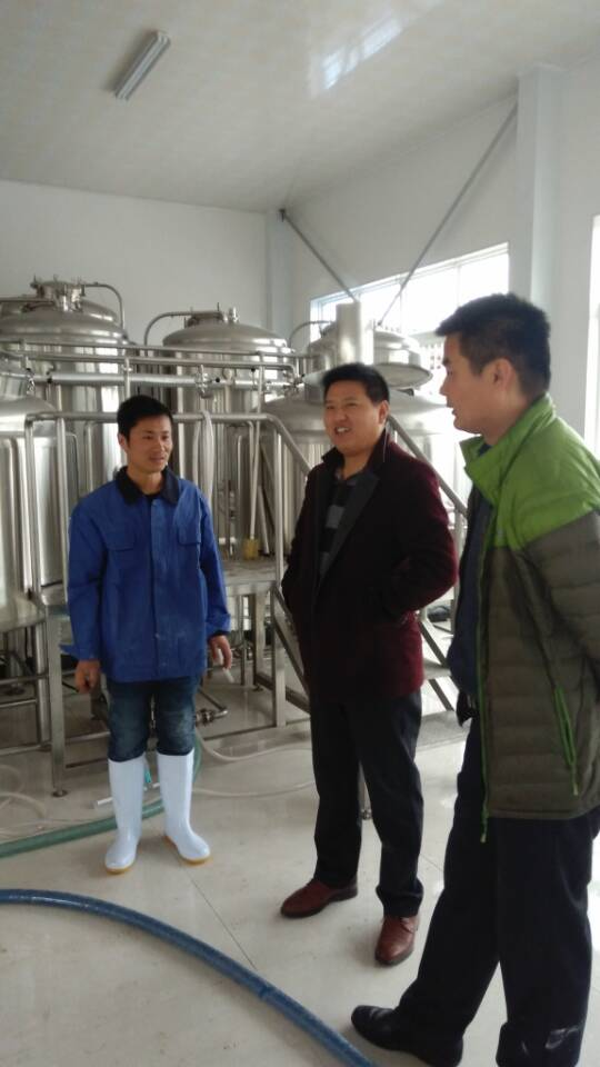 A Busy Brewing Day! Craft Brewing Equipment in China