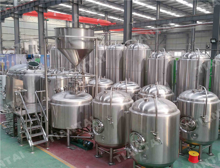 <b>600L Jacketed Bright Beer Tank</b>