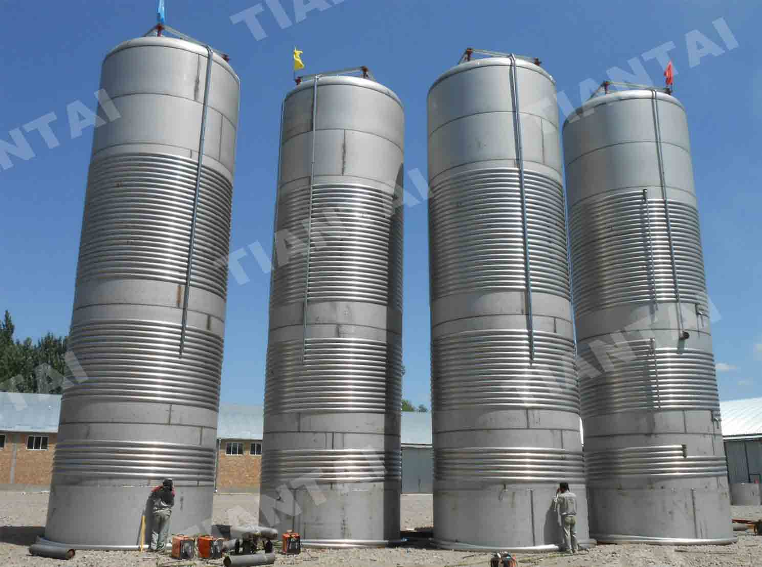 <b>100 bbl Stainless steel fermenter</b>