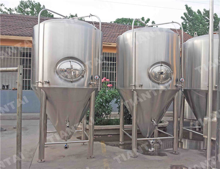 <b>25BBL Stainless steel fermenter</b>