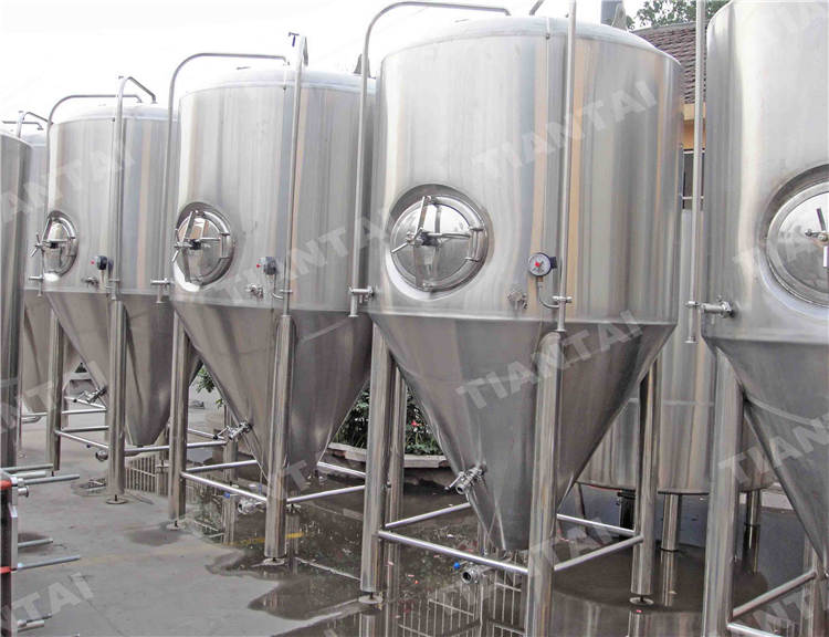 <b>50 bbl Stainless steel fermenter</b>