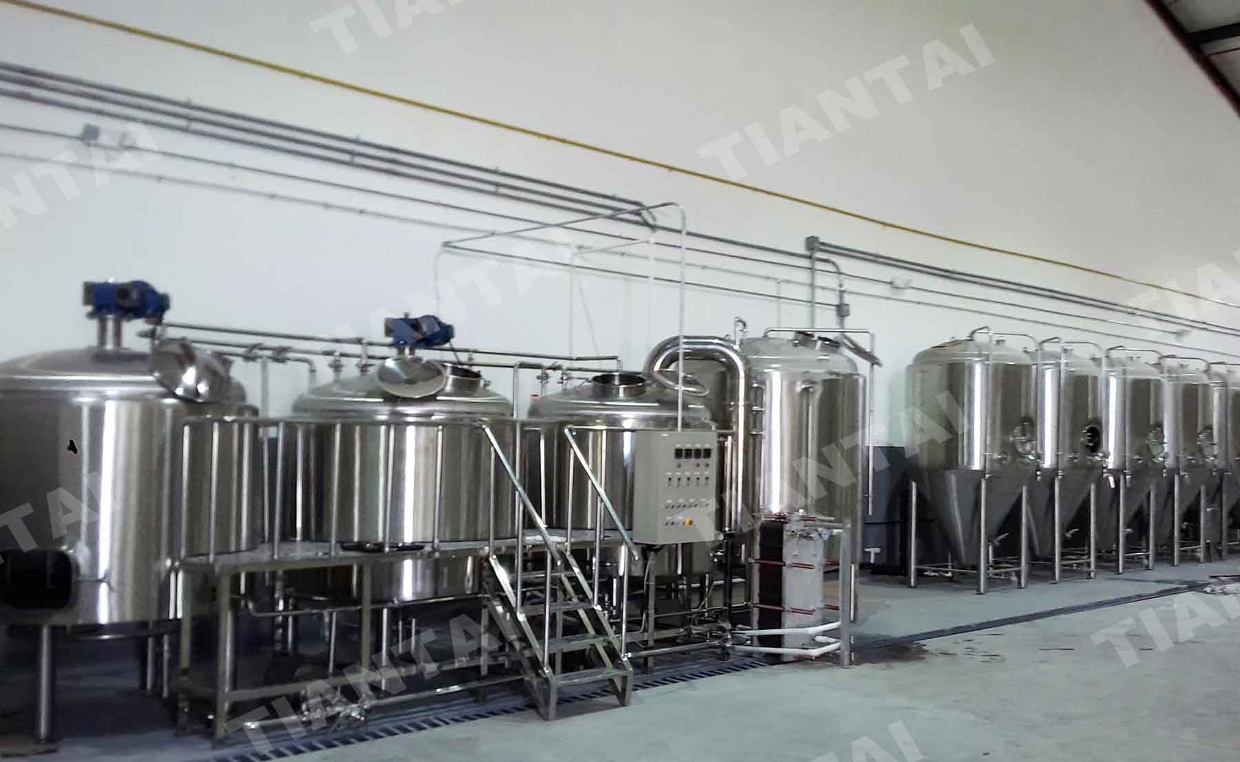The 2000L three vessel brewery equipment installed in Panama